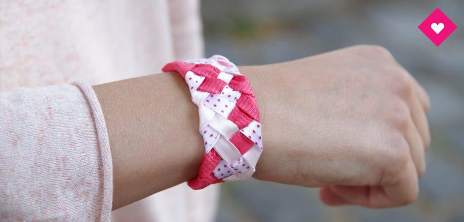 Astuce : réaliser des bracelets avec vos lacets Bensimon