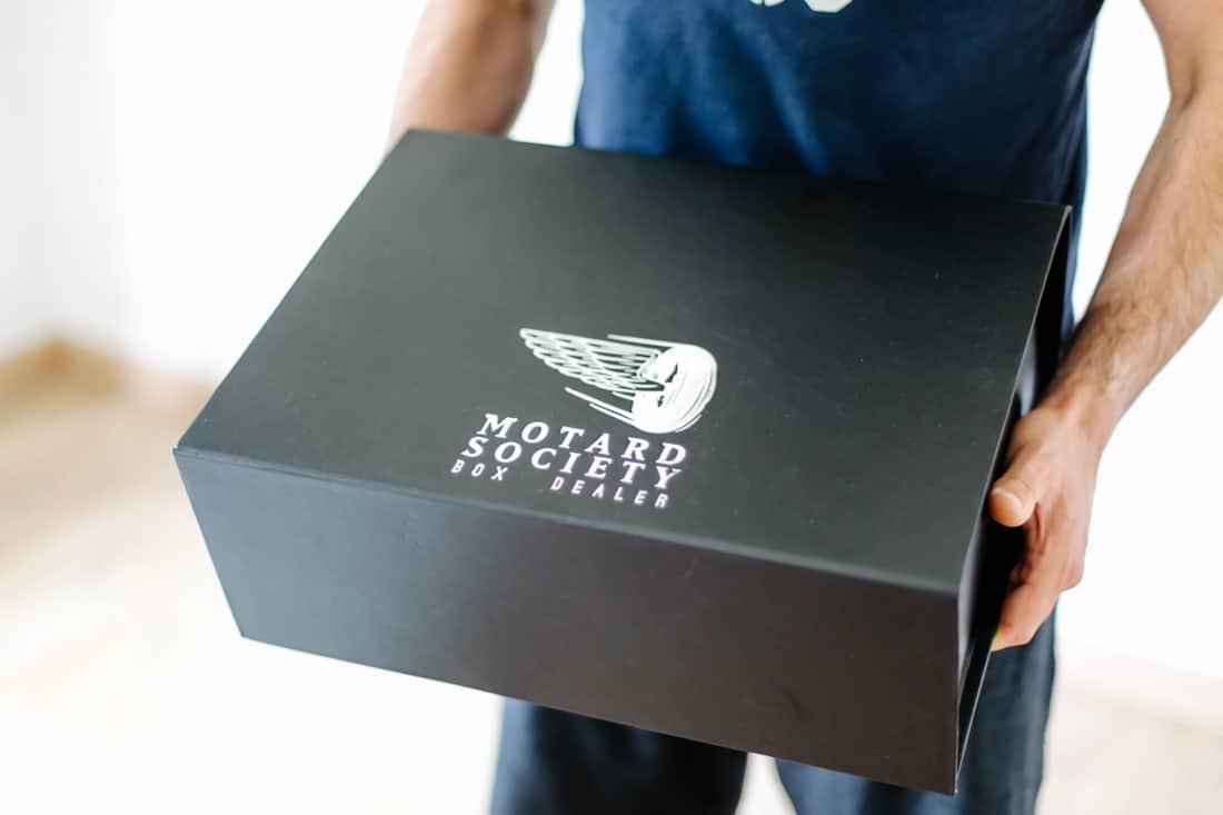 motard society la box t. Black Bedroom Furniture Sets. Home Design Ideas