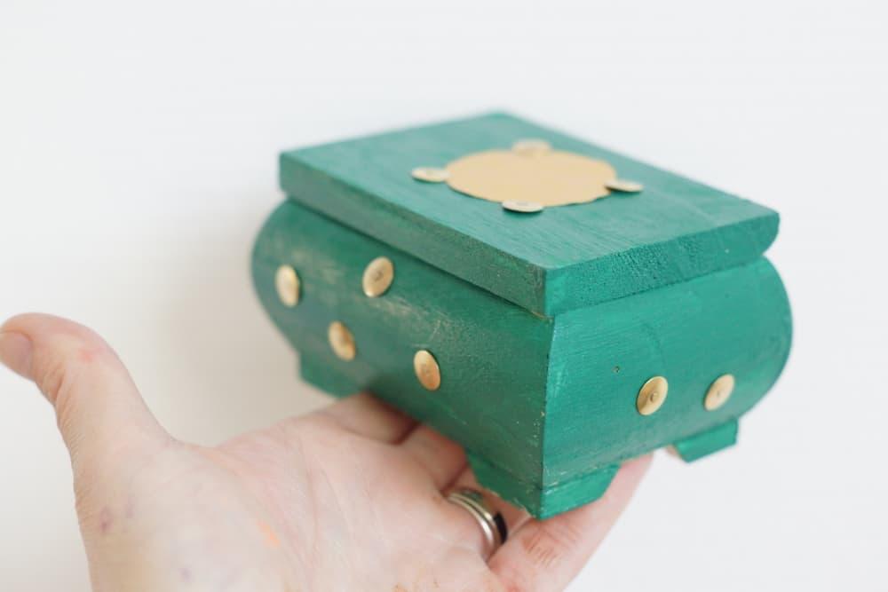 Box l'atelier imaginaire de mars 2018 sur le thème des Pirates